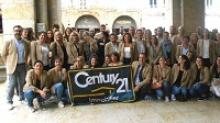 photo Century 21 a rassemblé ses collaborateurs